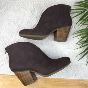 A2 Aerosoles Dark Brown Block Heel Booties 7